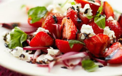 cheesy-strawberry-and-basil-salad