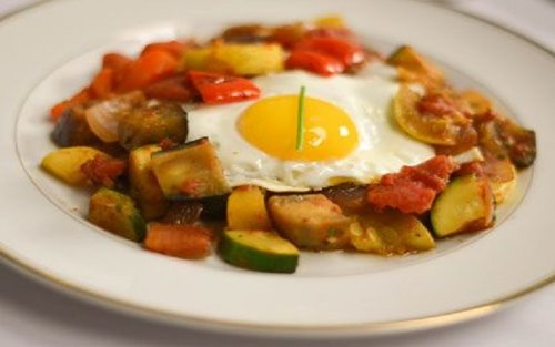 sauteed-veggies-with-poached-eggs