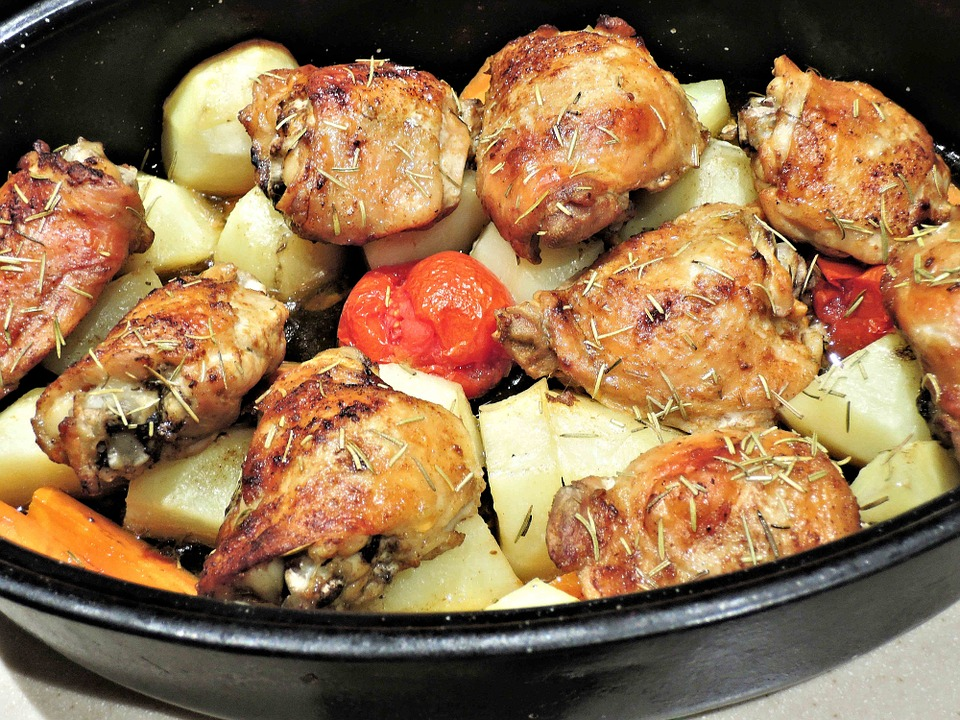 roasted-chicken-thighs-with-tomatoes-and-potatoes