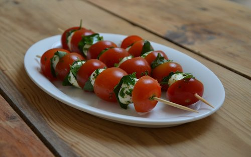 cherry-tomato-sticks